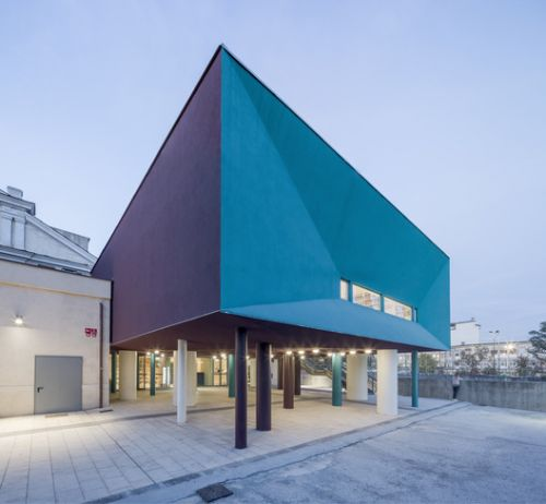 New Library in Former Industrial Area / Atelier(s) Alfonso Femia