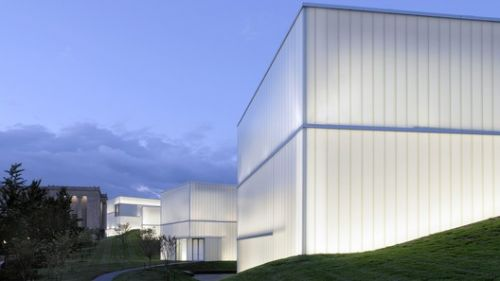 Diffused Light: How to Design 'Lantern Buildings' With Self-Supporting Glass Walls