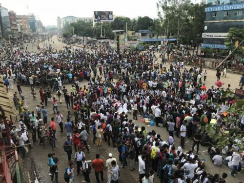 Photographers Beaten and Abducted in Bangladesh Student Protests