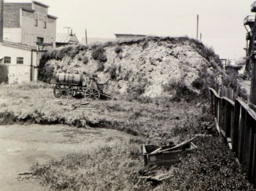 Excavating Memory: Shellmounds of the Bay Area