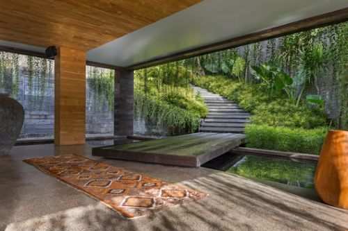 Chameleon Villa / Word of Mouth House