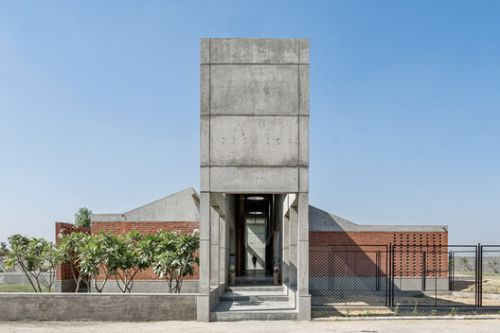 Two Bay House / MISA ARCHITECTS