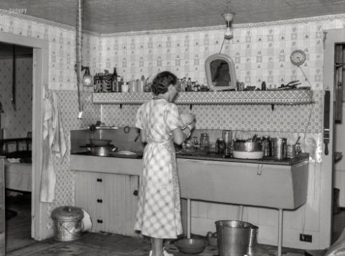 Stuck in the Kitchen: 1937