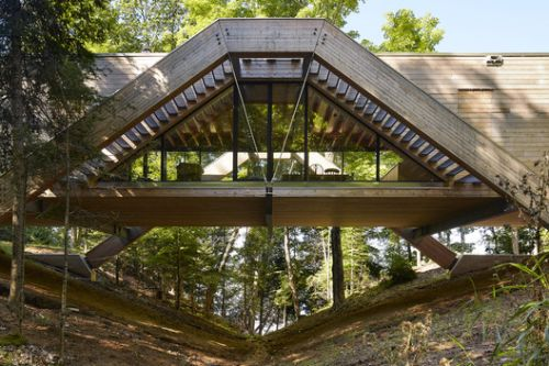Bridge House / LLAMA urban design