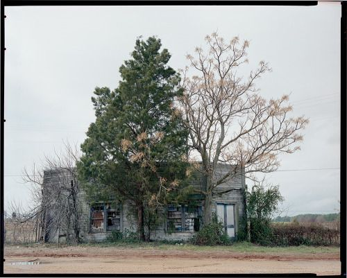 Knock loud, I'm home - William Christenberry