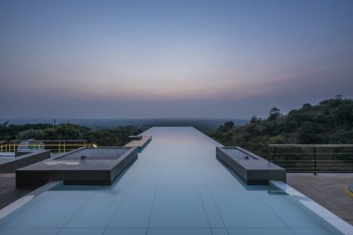Infinity Pools in 15 Architecture Projects