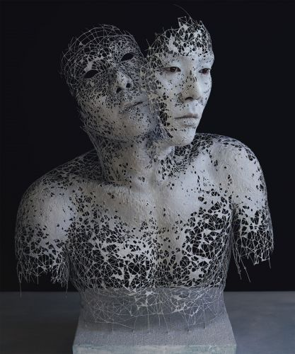 Wire Sculptures of Hands and Faces Come to Life When Overlaid with Digital Elements by Yuichi Ikehata
