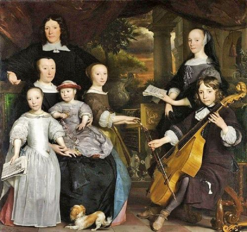 17C Portraits - Families Head Out as Science Comes In
