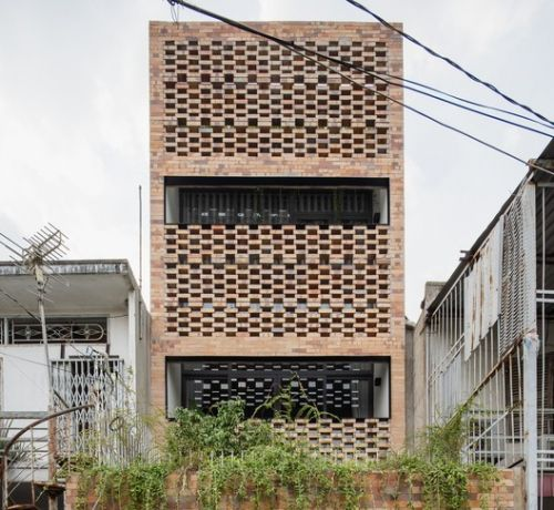 P House / T H I A Architecture