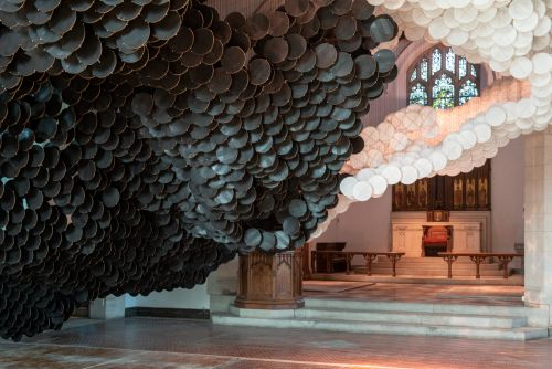 Over Fifteen Thousand Paper Kites Create a Two-Toned Cloud Inside New York's St. Cornelius Chapel