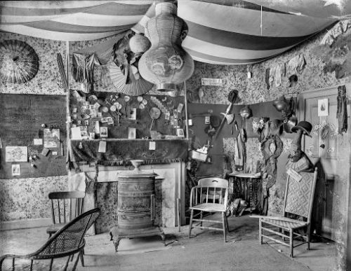 A Most Amazing Room: 1910s