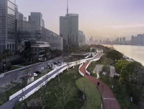 Pedestrian Bridge over Shanghai Taitong Ferry Station / Scenic Architecture Office