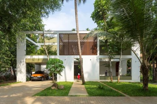 The Regimented House / LIJO RENY architects