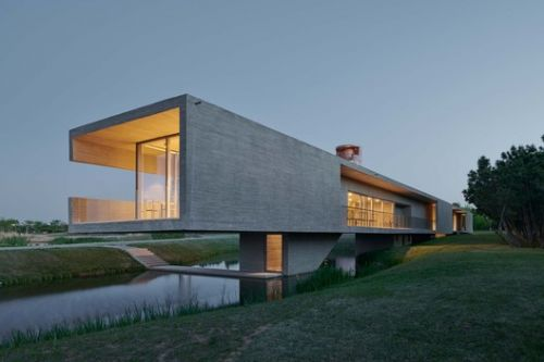 Swan Lake Bridge House and Viewing Tower / TAO - Trace Architecture Office
