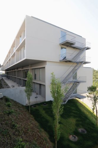 Hall of Residence for Students - Coimbra University / Paula Santos Arquitectura