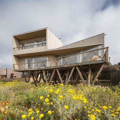 Women House / Ignacio Correa