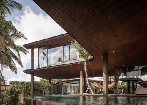 Butterfly House / Alexis Dornier