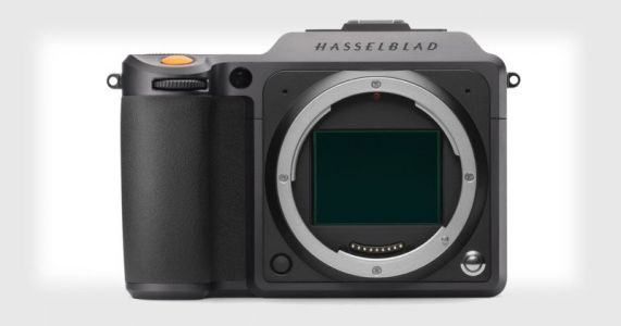 Hasselblad X1D II 50C is a Faster and Cheaper Medium Format Mirrorless