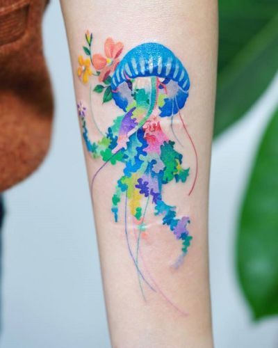 Dazzling Jellyfish, Snakes, and Turtles Glow with a Multitude of Colors in Vibrant Tattoos by Zihee