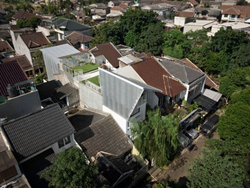 Compartment House / Studio SA e