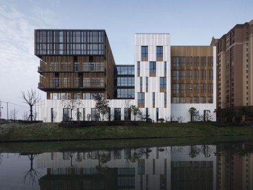 Zhelin Administration and Community Service Center / One Design