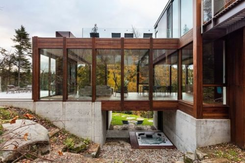 House Dans l'Escarpement / YH2 Architecture