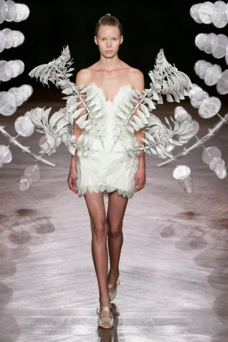Hypnotic New Garments by Iris van Herpen Blur the Boundaries of Art, Science, and Fashion