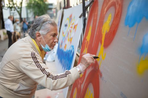 Interactive Event with Paint Kartel Teaches Seniors to Create Bold Graffiti in Belgrade