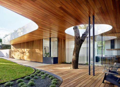 Constant Springs Residence / Alterstudio Architecture