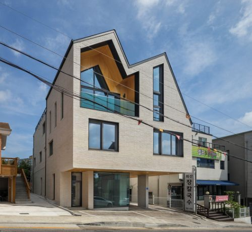 The Brick Trader's House / Architecture Studio YEIN