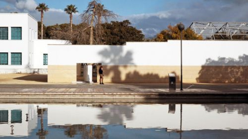 A Trip Inside Álvaro Siza Vieira's University of Alicante Rectory Building in Spain