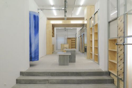 WOOD WOOD Berlin R3 Store / Spacon & X