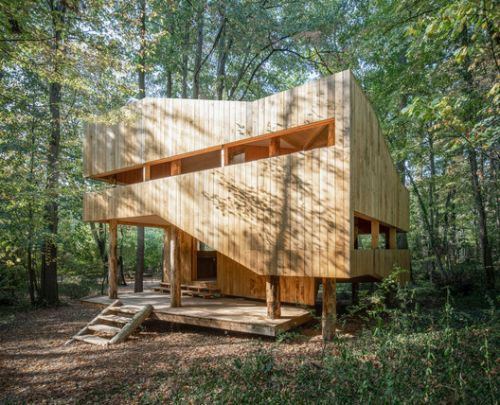 Wooden House / local + SUPHASIDH