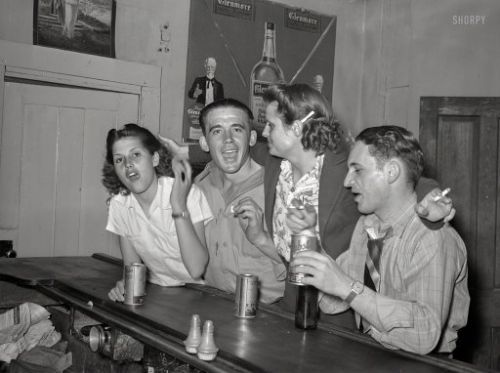 Barroom Besties: 1940