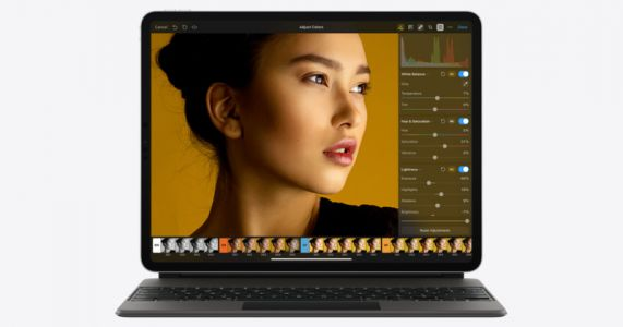 The Pixelmator iPad App Now Lets You Upscale Photos Using AI