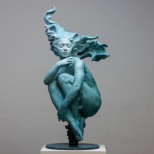 Bronze Figures Explore Movement in Sculptures by Coderch & Malavia