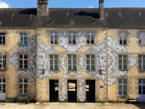 Traditional Lace Patterns Spray-Painted onto Museums, Residences, and Walls by NeSpoon