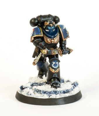 Showcase: Ultramarines Lieutenant Calsius by Rich