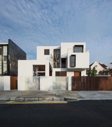 Box House / Ming Architects