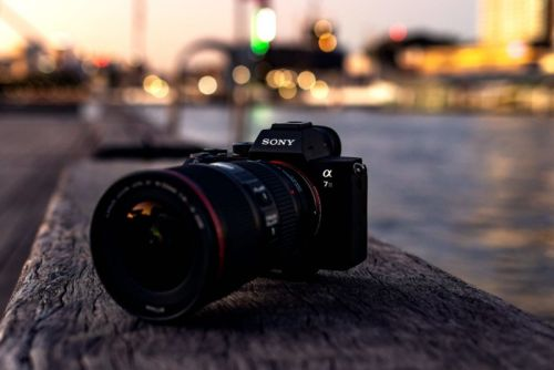The Move to Mirrorless From DSLRs