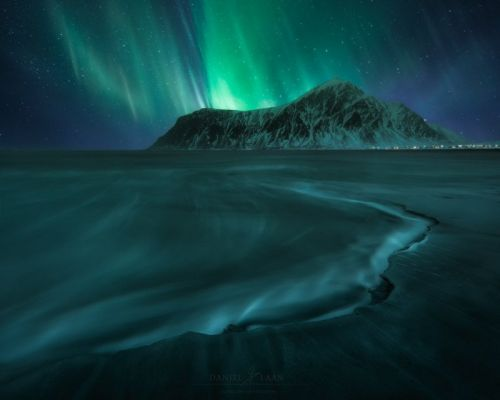 The Ultimate Guide to Forecasting, Shooting, and Post-Processing the Northern Lights