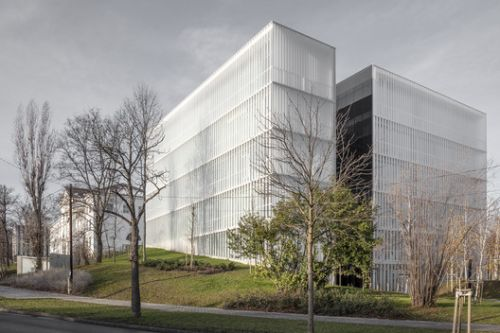 Campus and Creative Innovation Knowledge Park / 3h architecture
