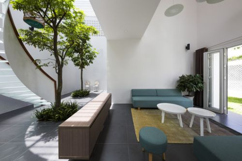 T House / Creative Architects