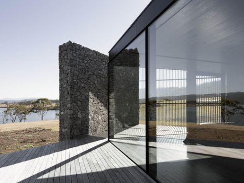 D'Entrecasteaux House / Room11 Architects