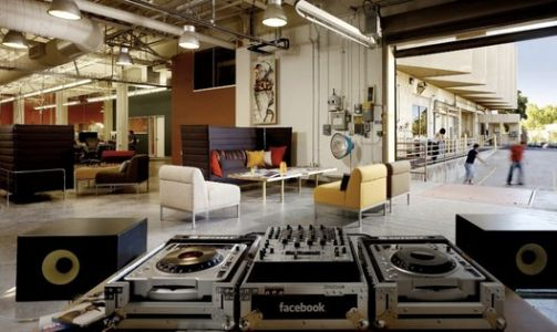 30 Workspaces for the World's Biggest Tech Companies
