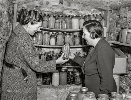 Girl Cave: 1940