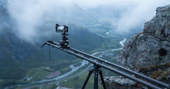 This Pro Tried to Shoot a Professional-Grade Timelapse on a Smartphone