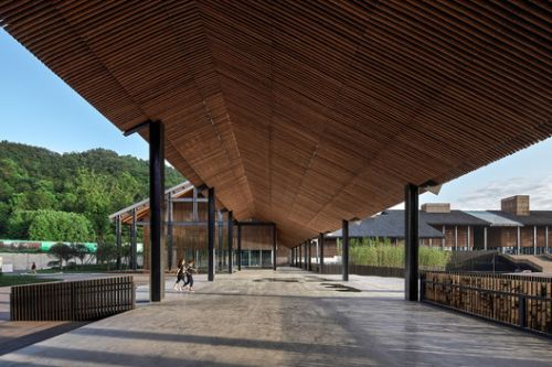 Jiezi Ancient Town Meiyi Square / Beijing Huaqing An-design Architects