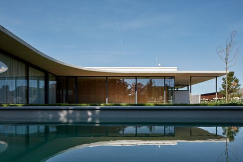Family House Jarovce / Compass Architekti
