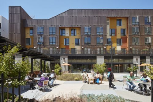 Dr. George W. Davis Senior Residence and Senior Center / David Baker Architects